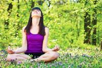 yoga-in-woods